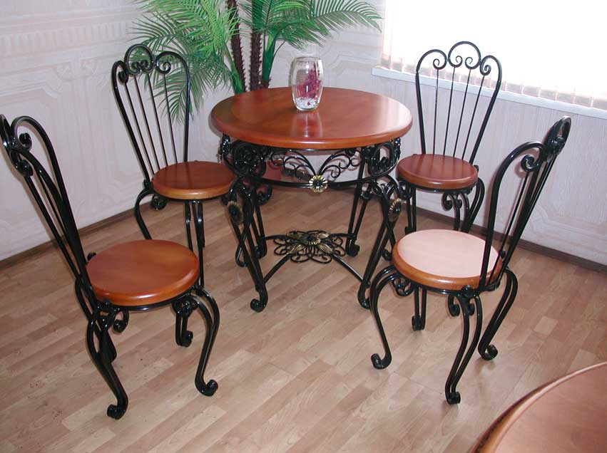photo-of-wrought-iron-patio-furniture